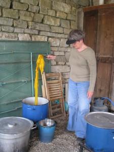 Fiber In Olive Bath
